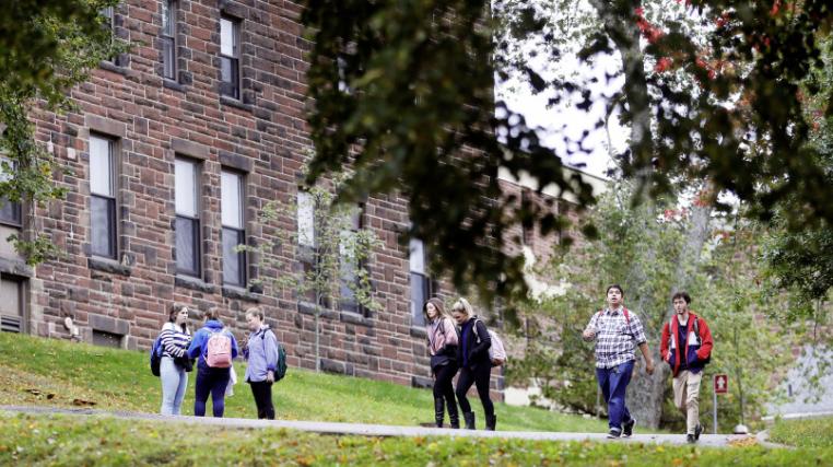 Du học Canada với các trường College /University có học phí nhẹ nhất